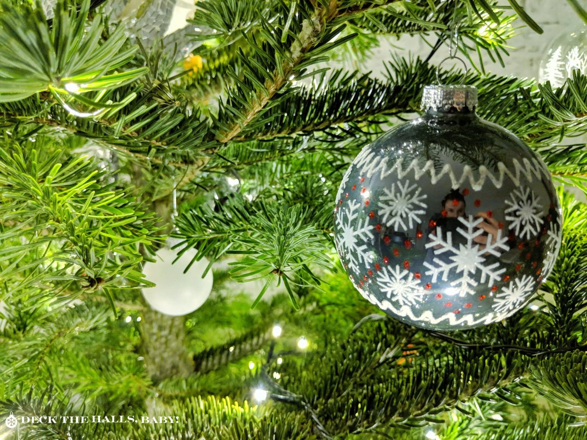 """CC BY-ND """"Deck the halls, Baby!"""""""